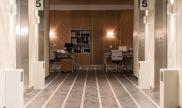 visión general del pasillo de los ascensores en la serie Traición